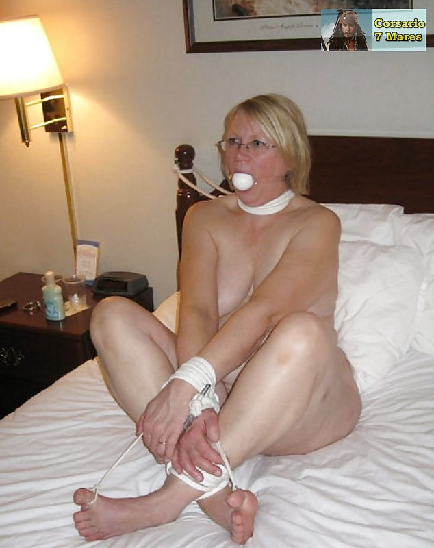 naked-tied-mom-shemale-and-girls-sex-stories