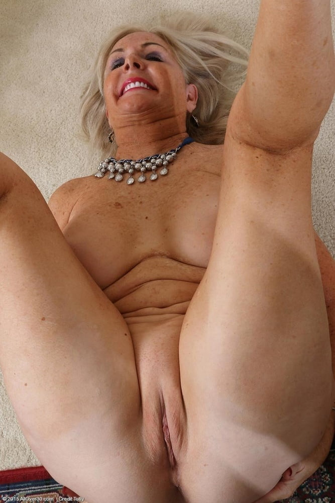 Galleries of shaved hairless nude matures — pic 7