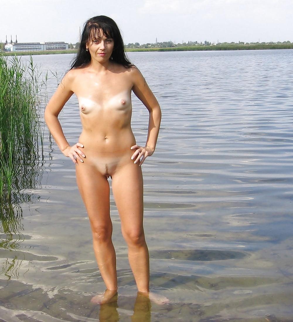 Фото моей жены на пляже ню, порно жена просит в нее кончить
