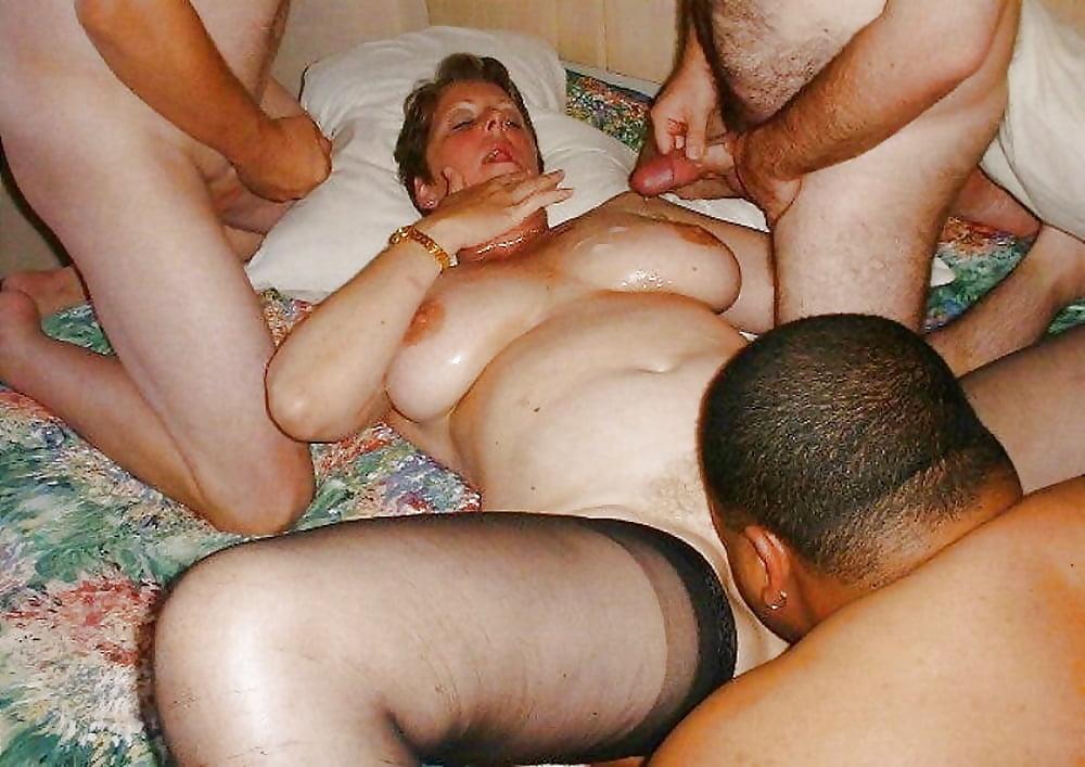 Порно русское женатые пожилые, порно дает сосать грудь