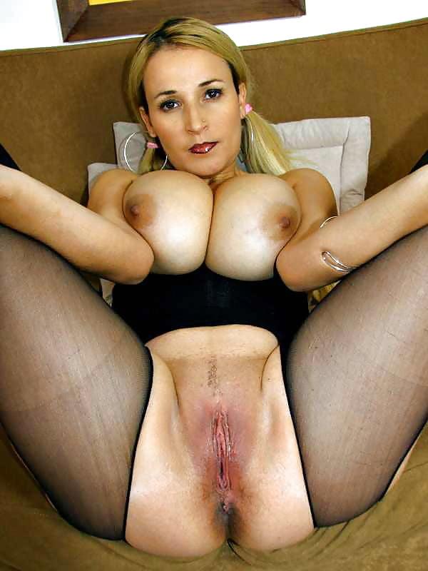Порно фото с большими сиськами и пездами, много спермы столствава хуя