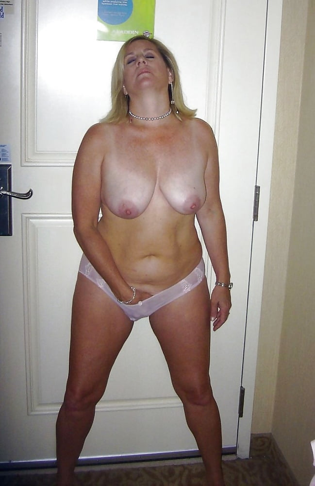 All Sizes, All Sexy - Your Mom's Fingers - 24 Pics