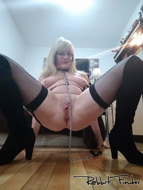 naked mature amateur pics there