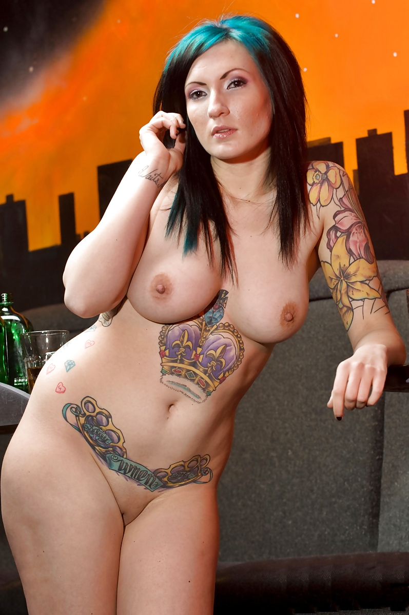 Thick nude girls tattoos