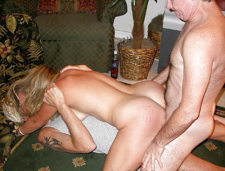 русские муж в командировке а пьяная жена дает