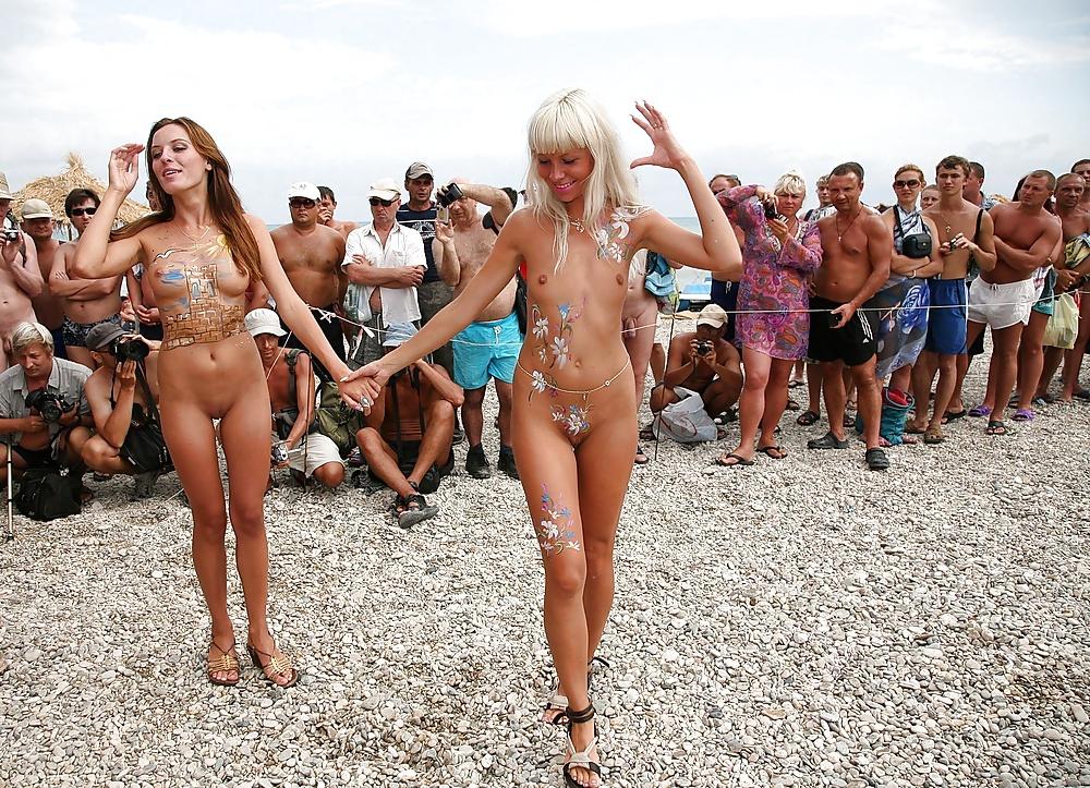 Конкурс красоты голых на пляже видео