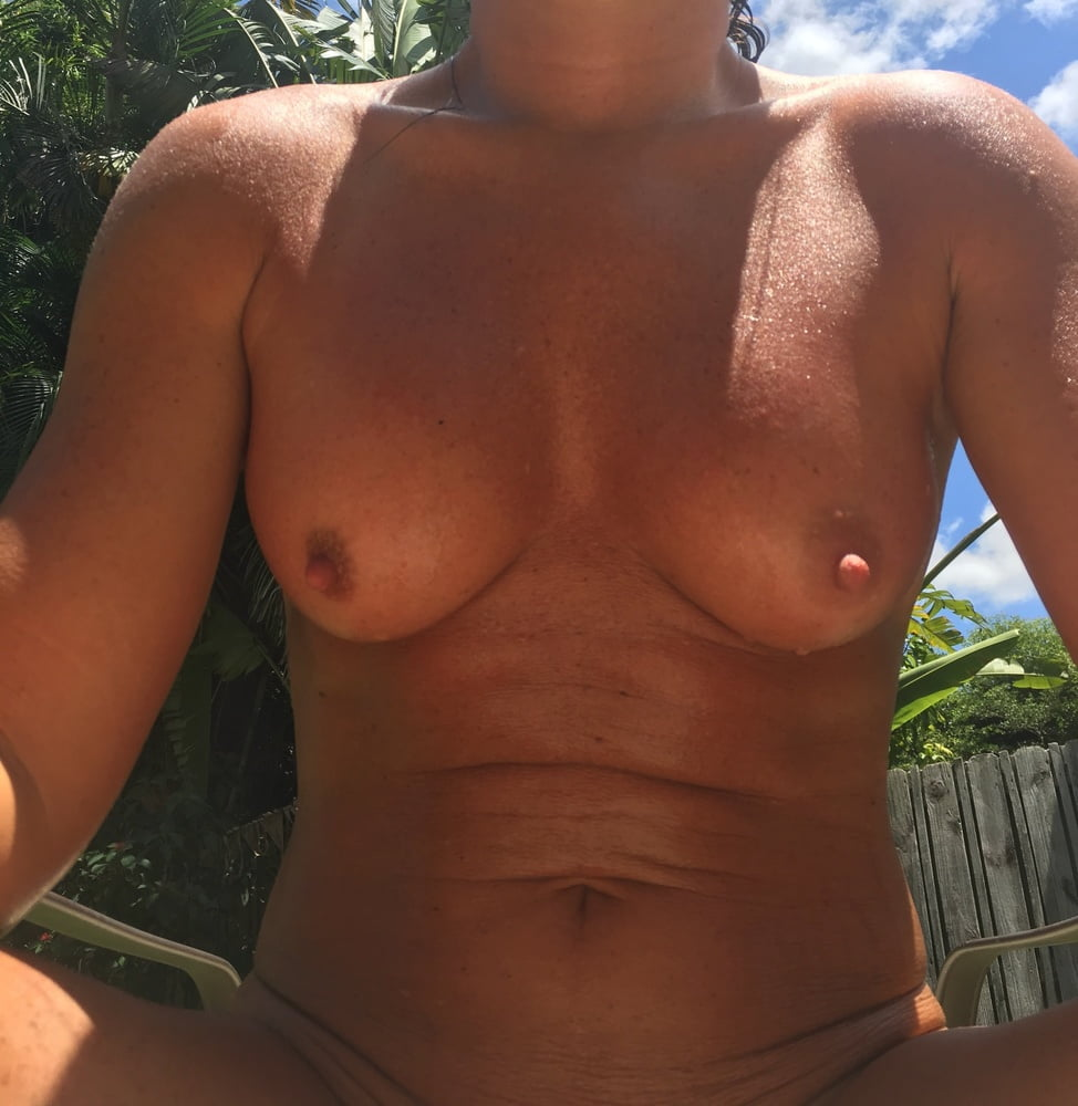 Naked females outside-9460