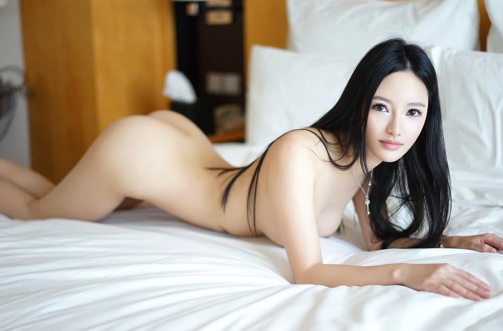 roliki-porno-seksi-molodie-koreyanki-blyadi-odna-troe