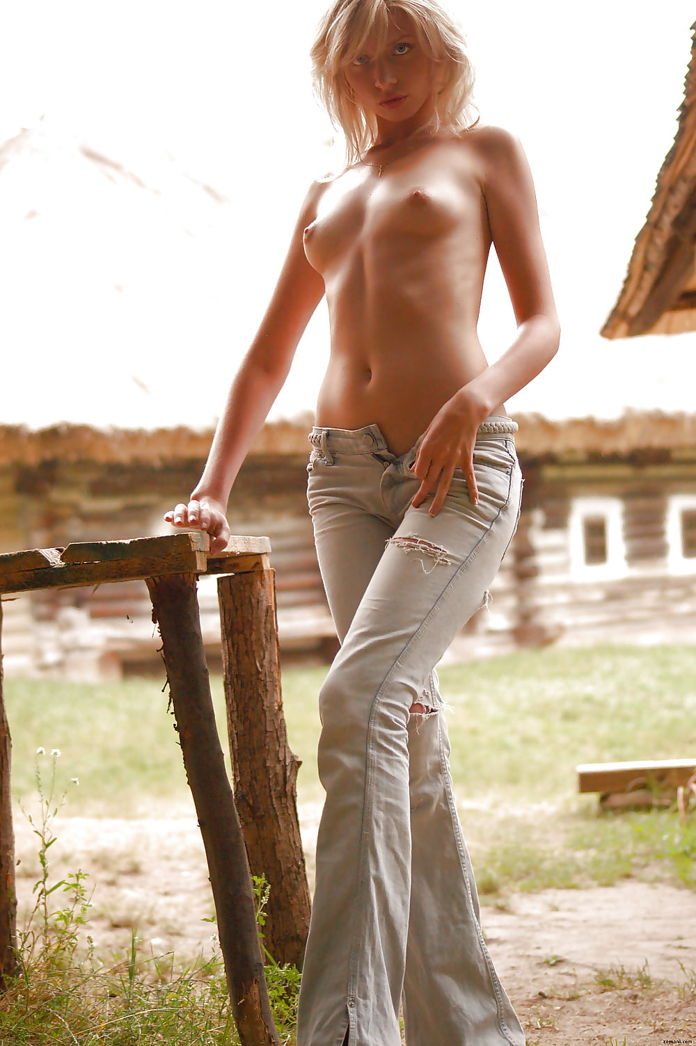 Bare foot girls topless — pic 3