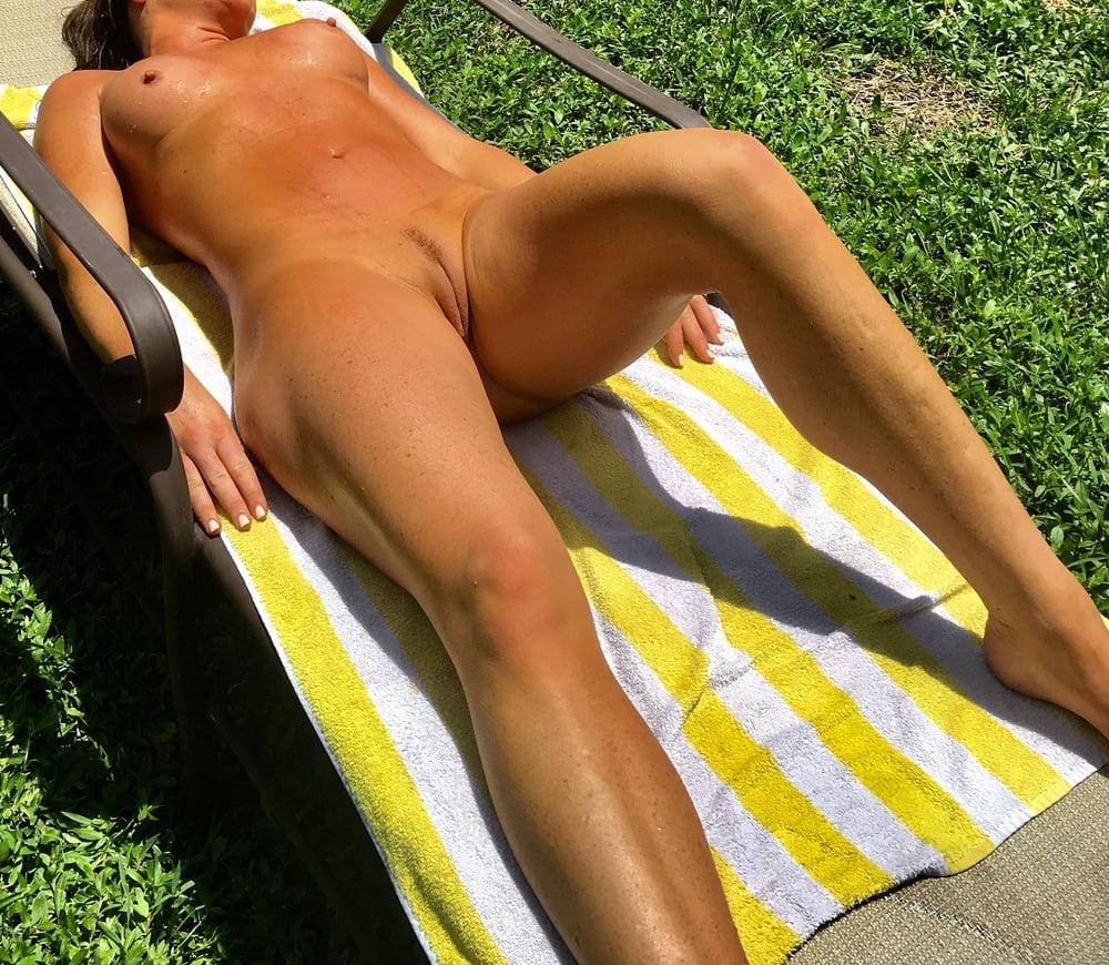 Naked females outside-6518