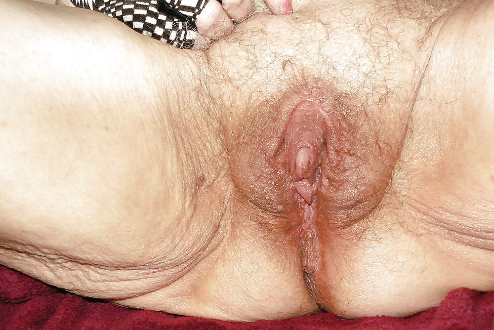 Old hairy clits