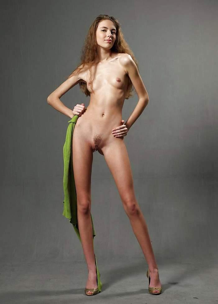 копировании подобных тощая худая длинная девушка с кривыми ногами порно смотреть пляж