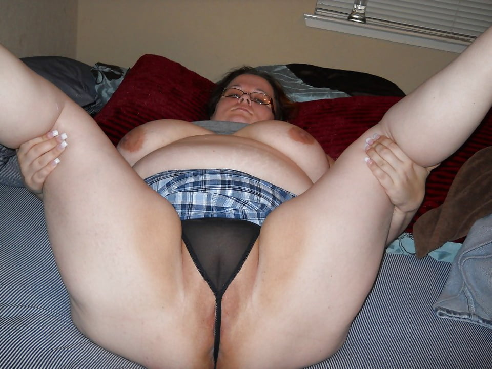 fat-girls-pussy-up-skirt