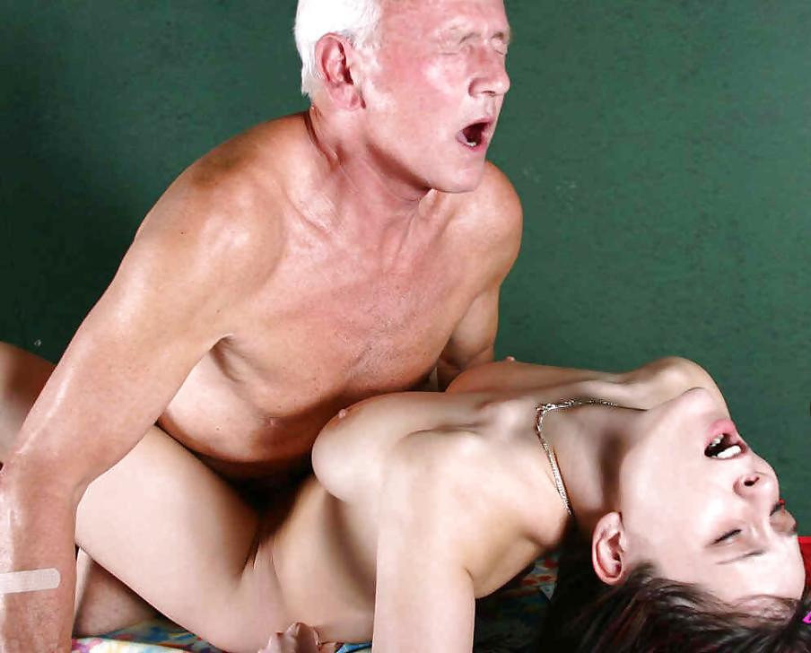 порно старик трахнул языком молодую оргазм - 13