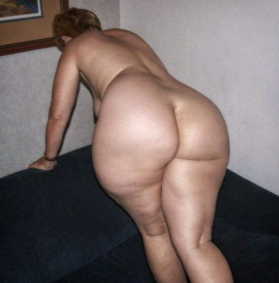 фото голых возрастных жирных жоп