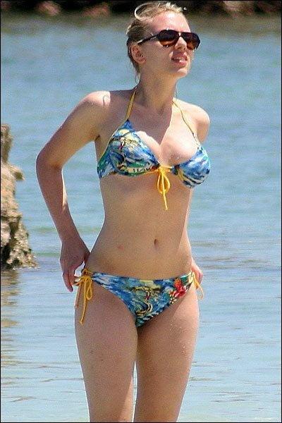 Scarlett johansson bikini photos-2004