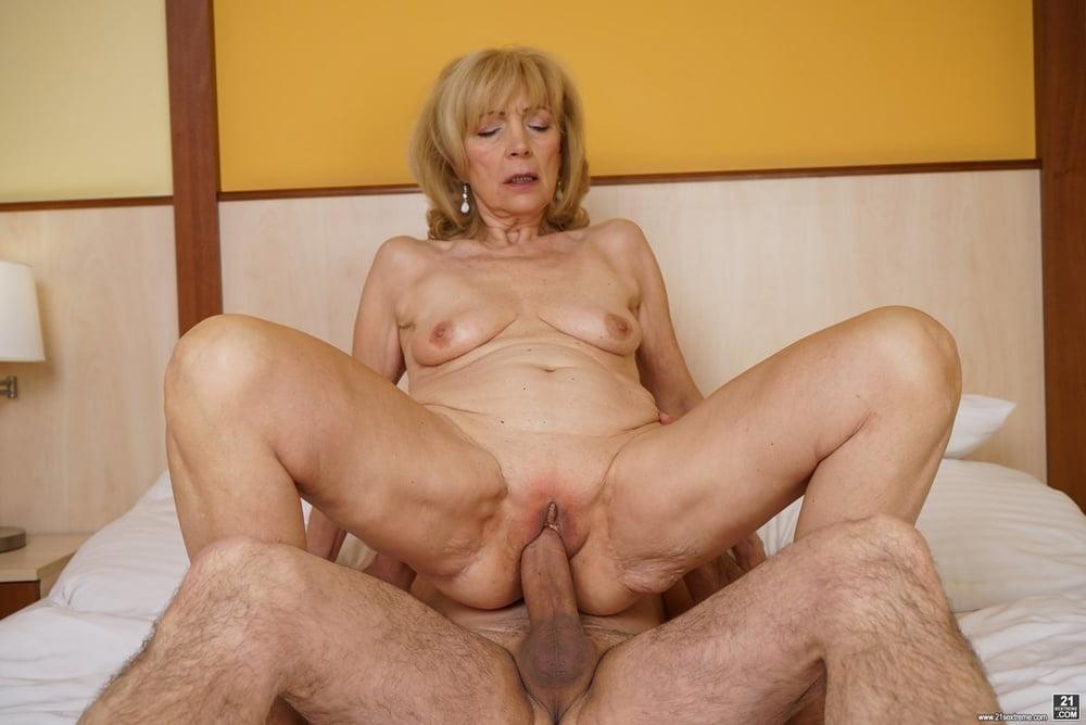Hot granny porn clip 4