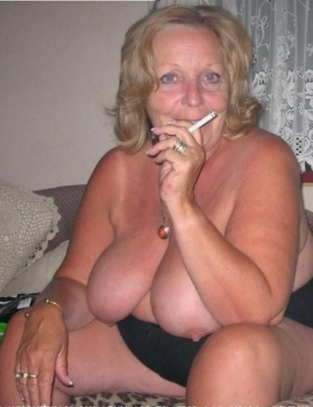 granny-mature-smoker-video
