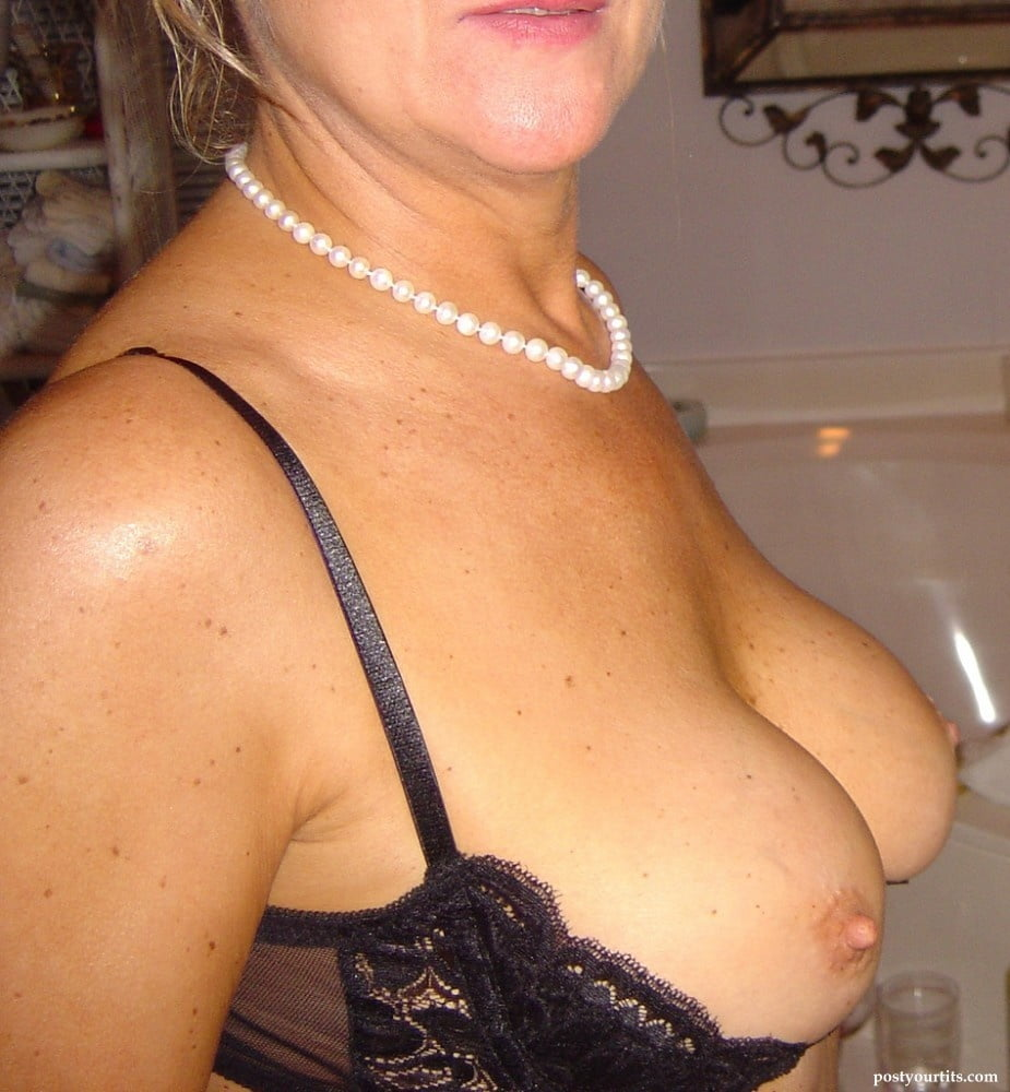 hot-wife-nipple-shelf-bras-xxx-old