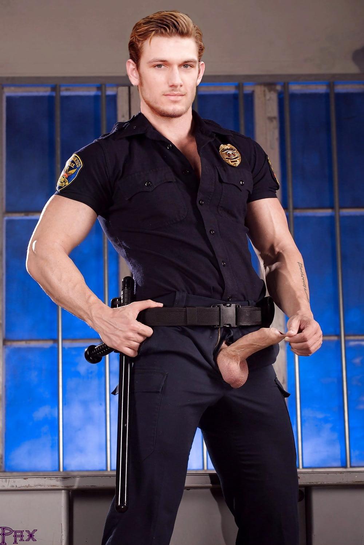 сексуальные парни в полицейской форме стал