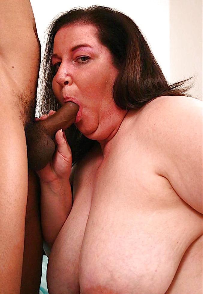 Chubby mom sucking dick