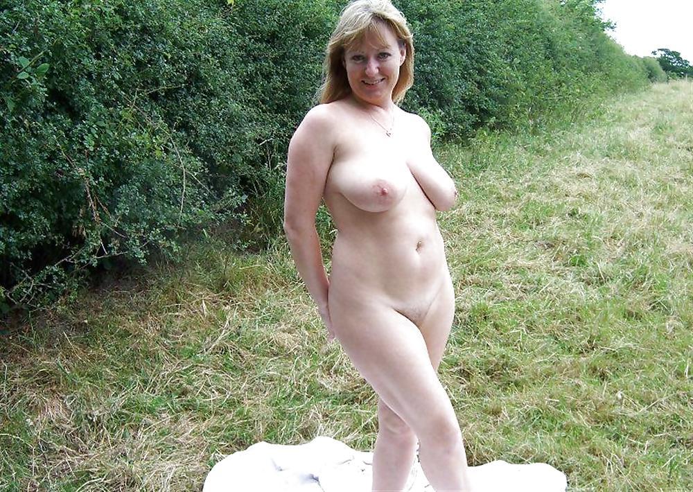 фото голые русские бабы на природе так