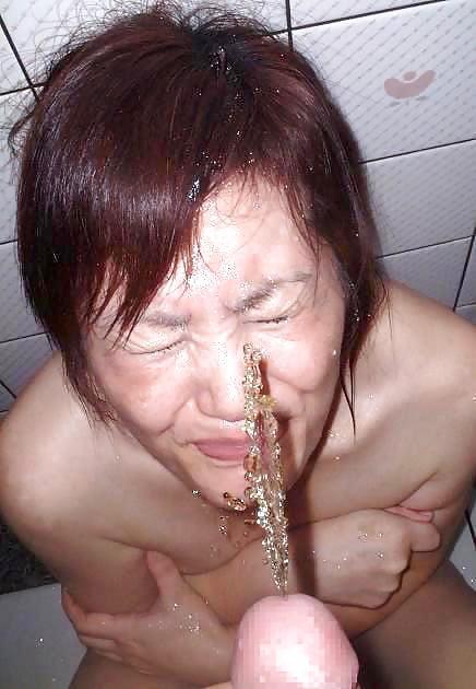 Drunk asian girl piss — photo 6