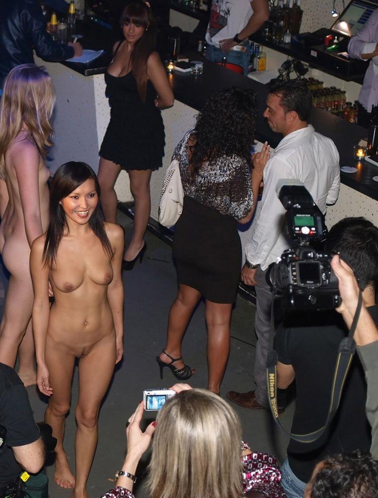 Sexi dance nude-1321