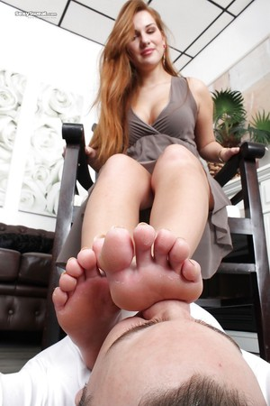 worship my sexy mature feet