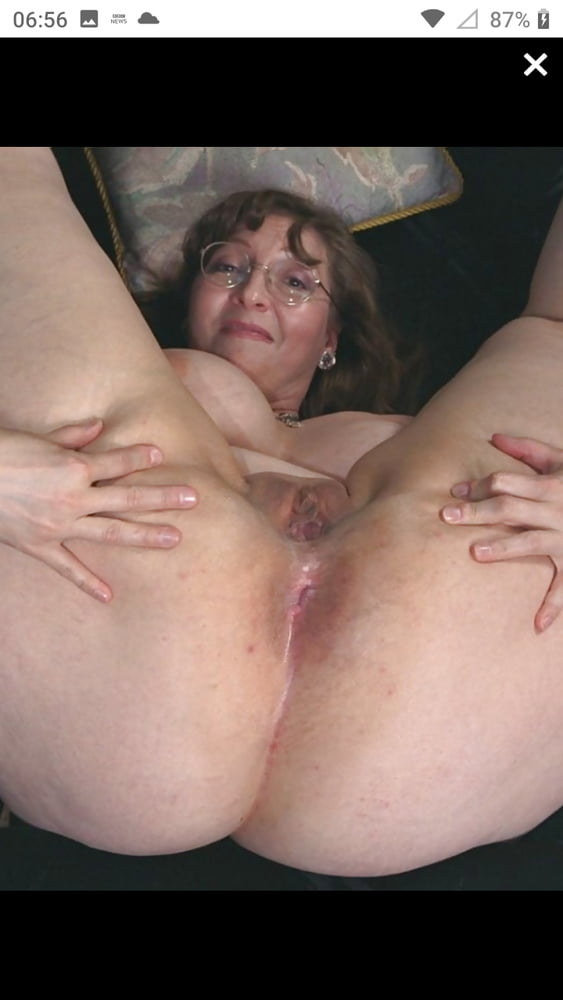 Mature bottom holes - 68 Pics