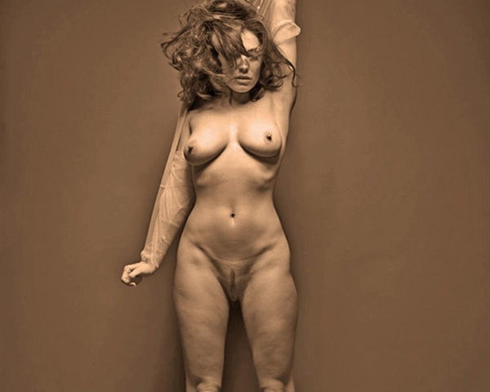 Full frontal milf nude photographs on tumblr