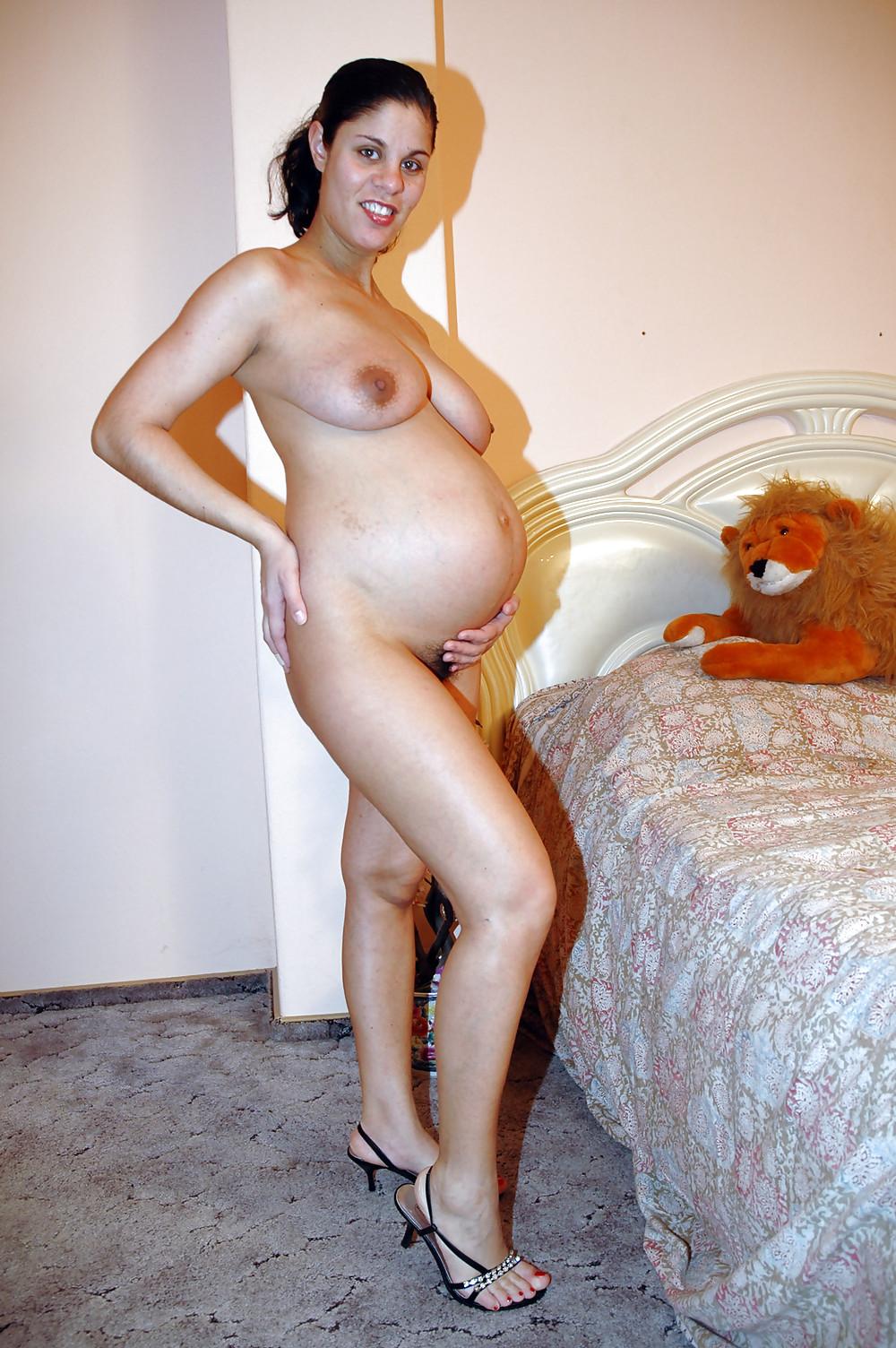 Mature pregnant naked — img 14
