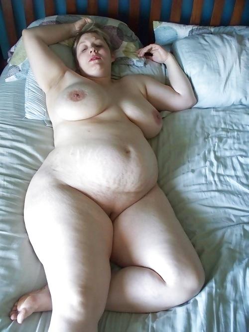 nude amateur curvy stretch marks