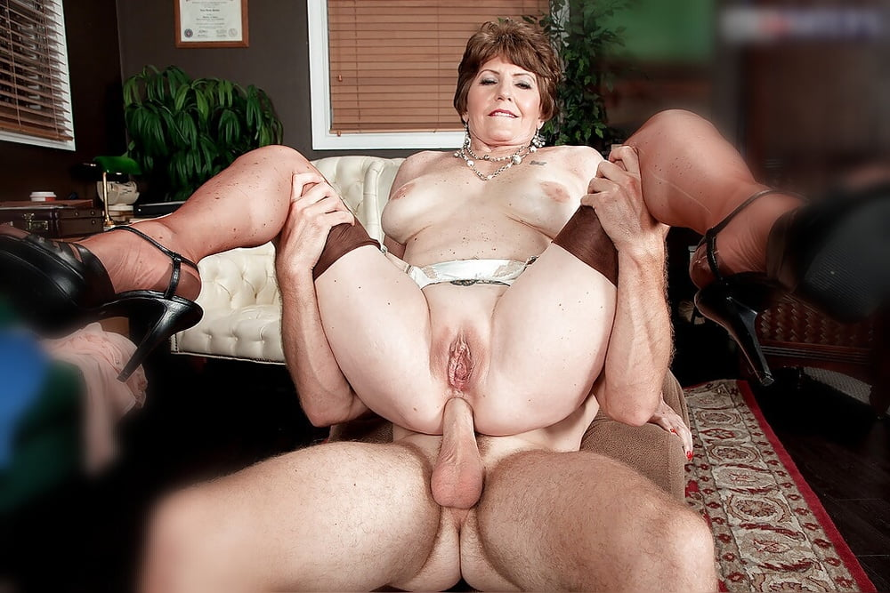 Sex granny bea hotsexy nudist
