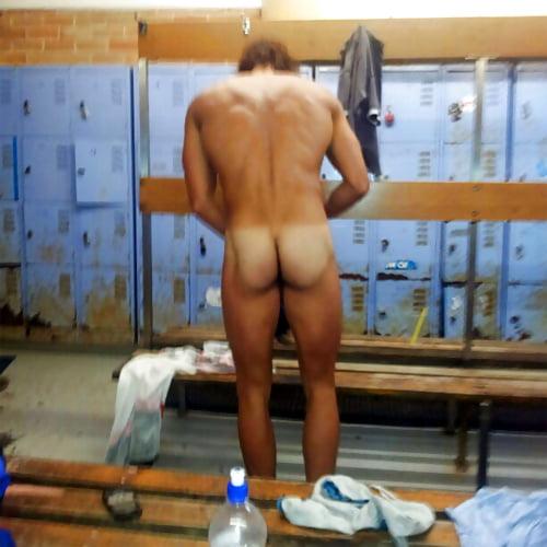 Фото голых мужчин в раздевалке, секс с русскими алкашами
