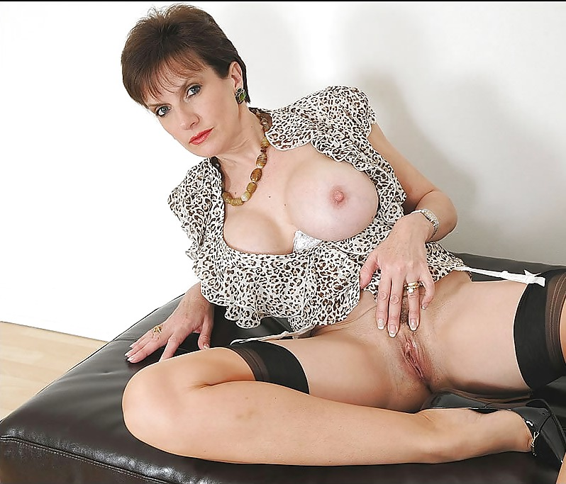 Naked mature lady sonia