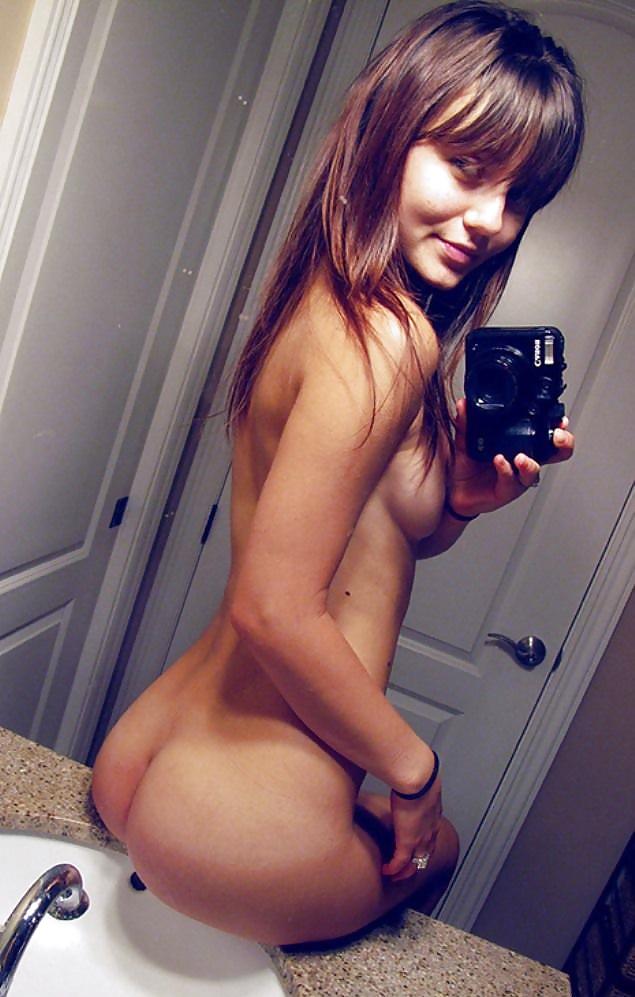 teen-girls-selfshots-naked