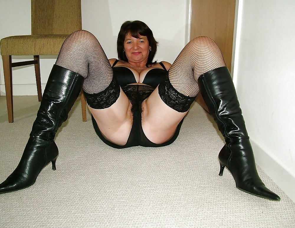 Matures In Boots 1