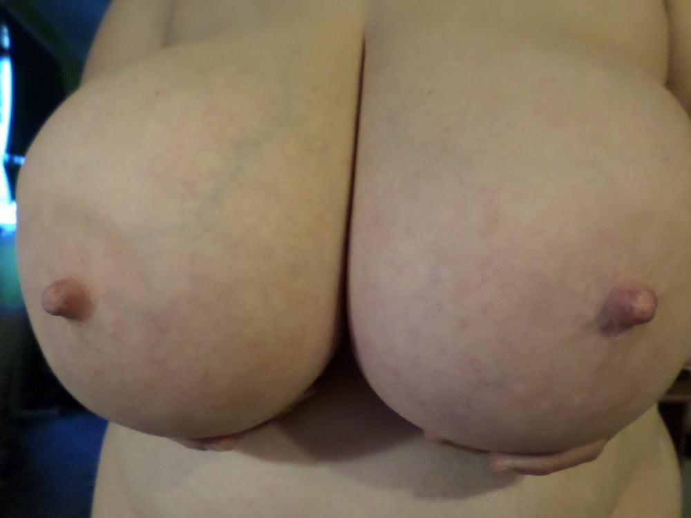 Natural boobs threesome-3176