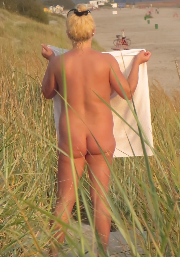 Mom naked on the beach-5313