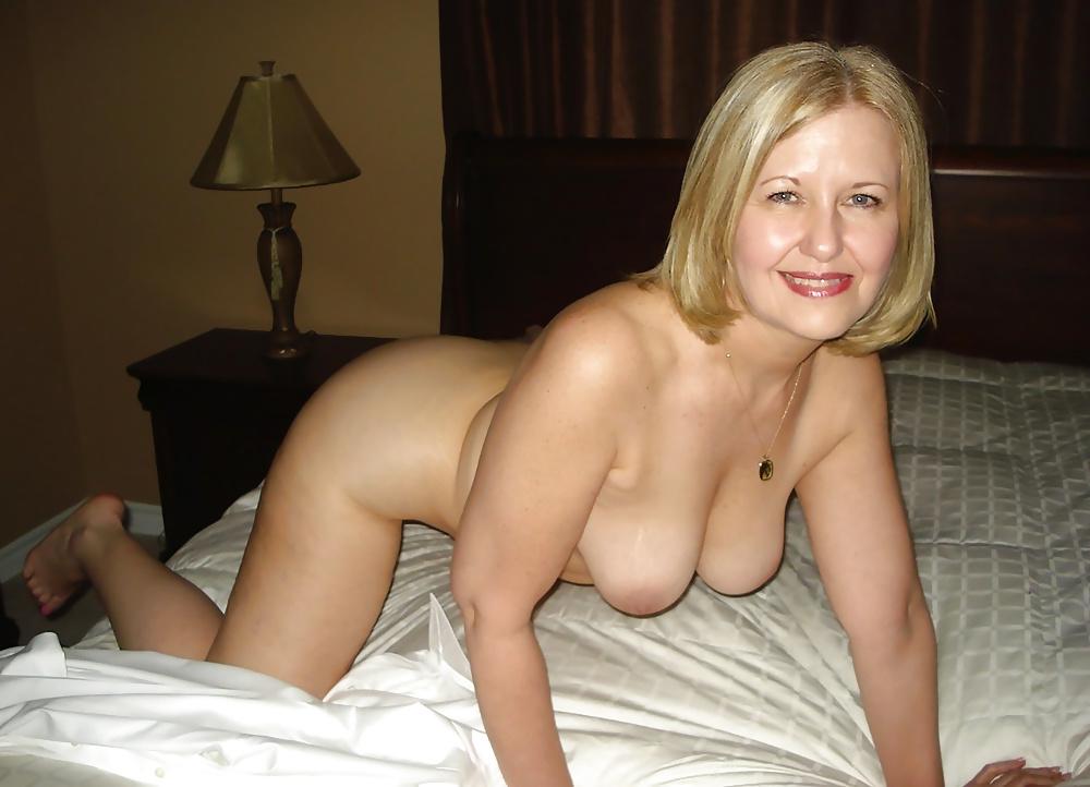 Mature Indian Wife Nude Show Photos