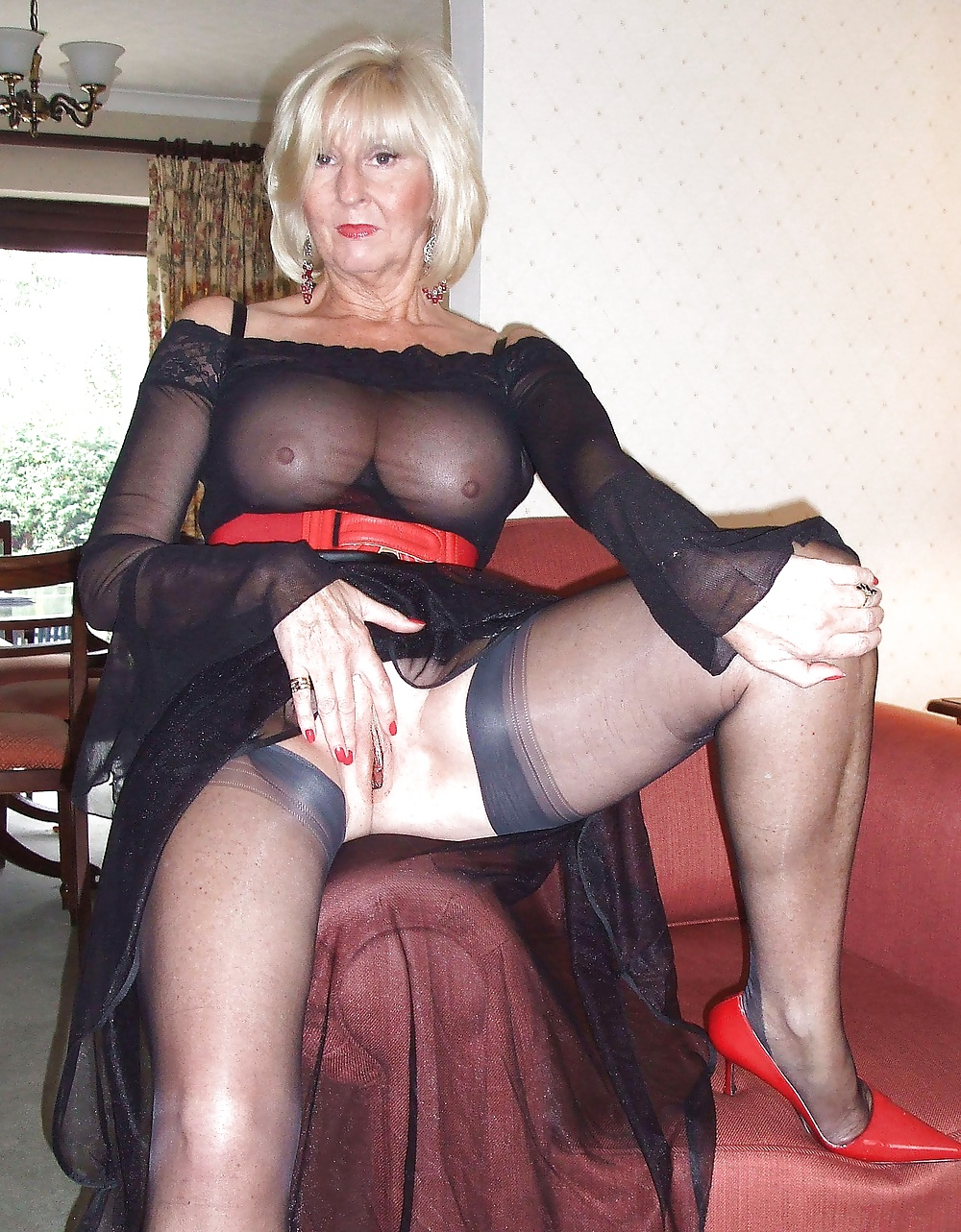 Free thumbs granny pussy whore stockings sign for young