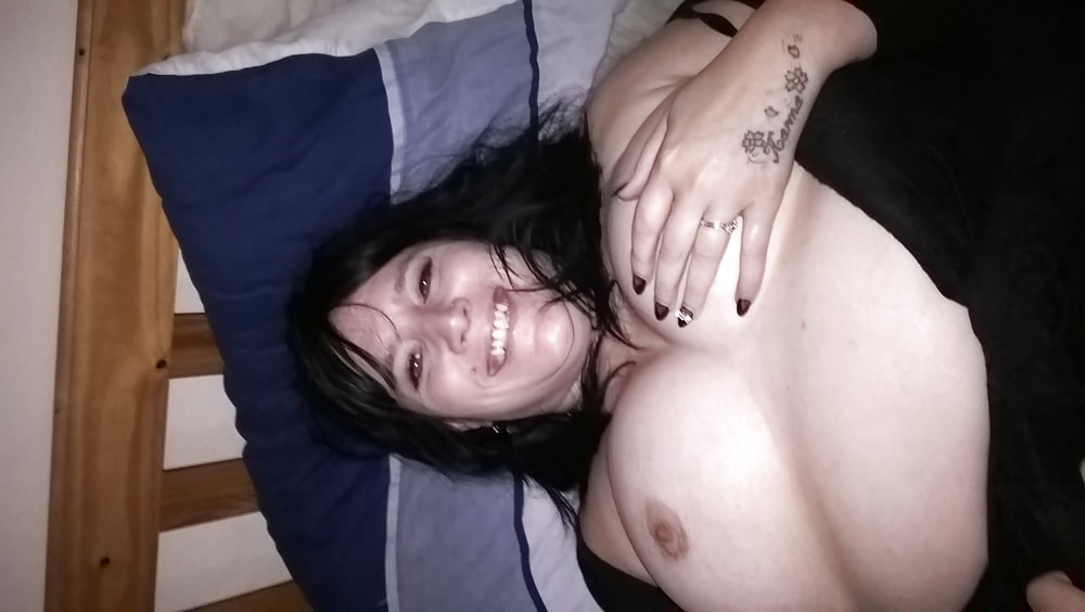 Sexy brunette whore goes crazy finger