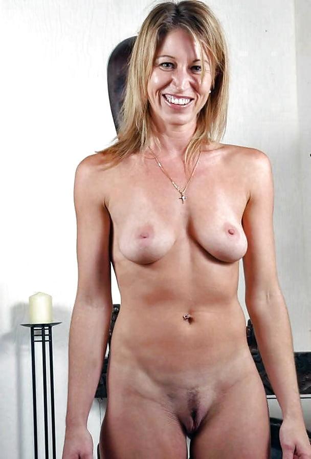 Perfect Naked Mature Vagina Photos