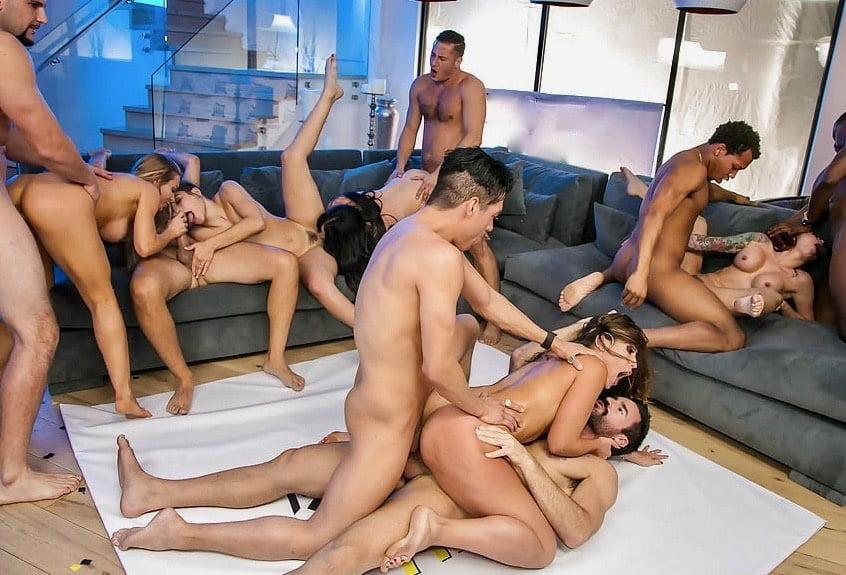 gruppovoy-seks-gde-sobiraemsya-odessa-porno-video-dve-siskastie