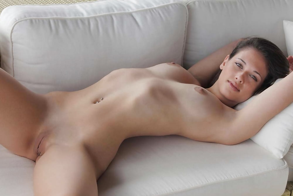 Softcore nude posing tube