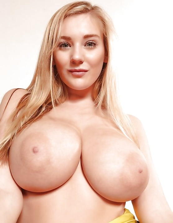Natural tits freeones — photo 12