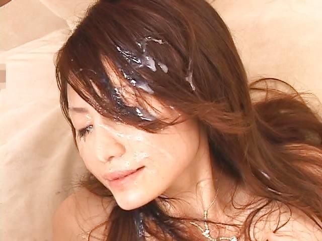 Галерея сперма на волосах и одежде, порно и резиновый пизда