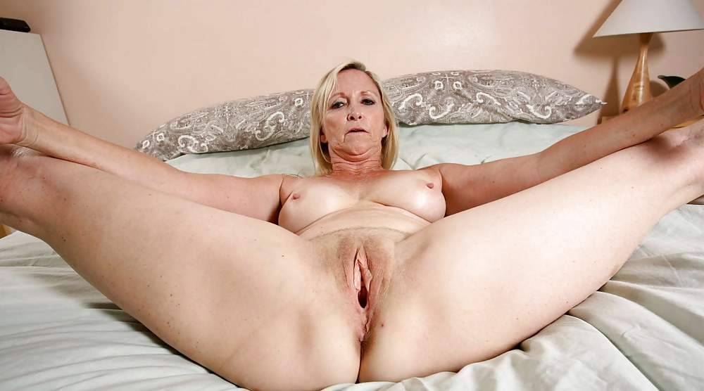 Free nude older women spread eagle photos — pic 4