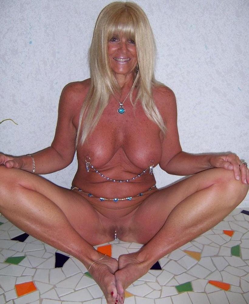 Hot nasty sexy body milf blonde slut